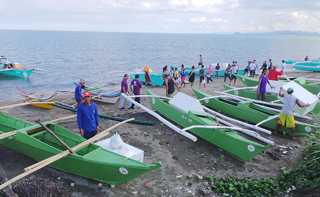 Philippines Typhoon Appeal donations put to work by Oxfam to support local fishermen