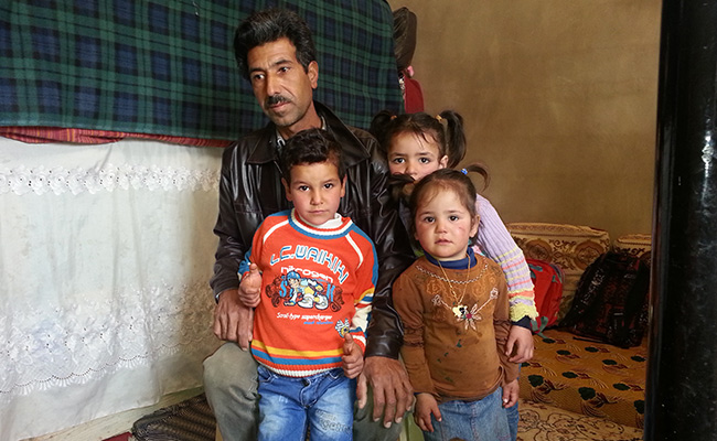 Syrian refugees Abdulaziz & his young family